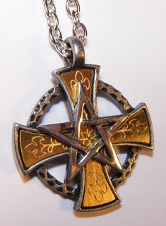 magic-cross-pendant-by-alchemy-gothic-3788-p